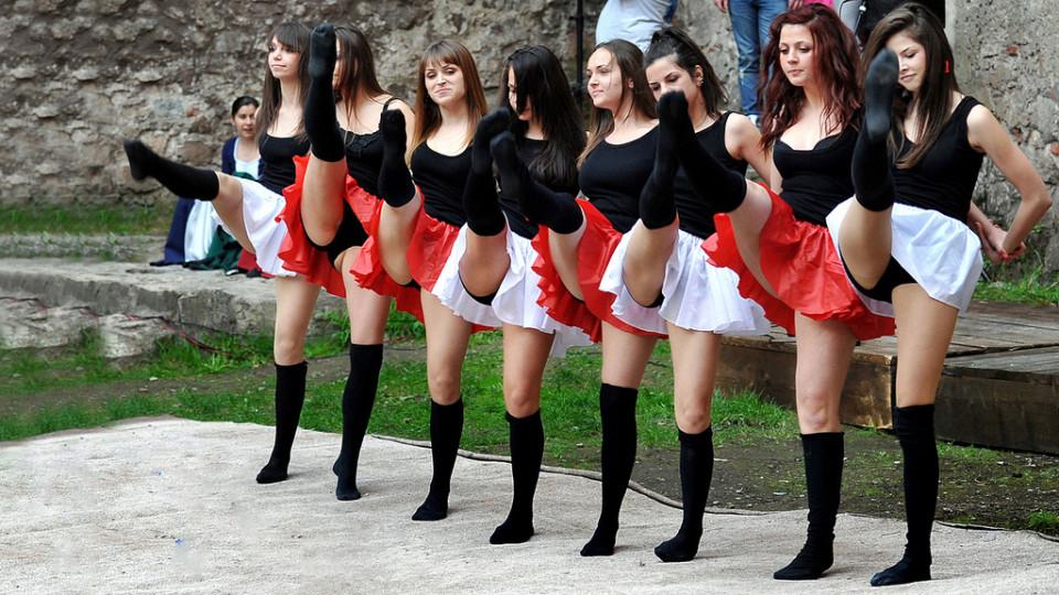 La fiesta, Castelul Huniazilor
